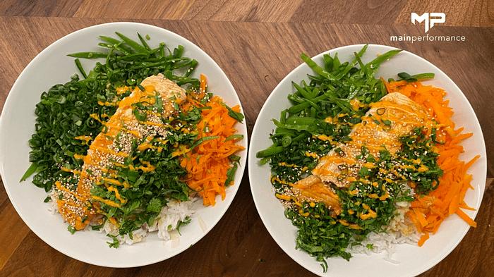 Reis Bowl mit frischem Gemüse